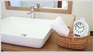 お風呂や台所などの水や湿気が多い場所に最適な防水・防湿・防塵の掛け時計