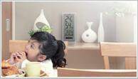 健康管理に使える便利な温湿度計。赤ちゃんやお子様、お年寄りのいらっしゃるご家庭、ペットショップやフラワーショップ、病院や福祉施設など温度・湿度管理が大事なお部屋にオススメの掛け時計、置き時計。